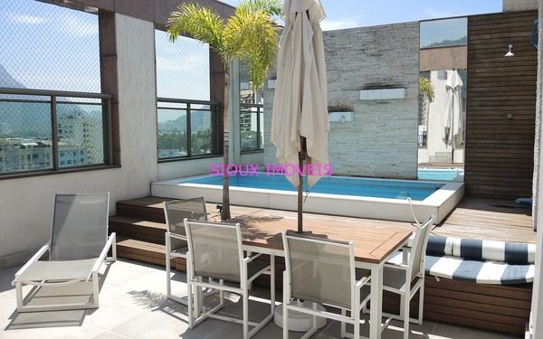 Modern and elegant penthouse at one of the hotest spots in Rio for short term rental during Olympic Games '16