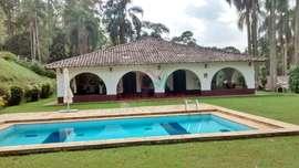 Chácara em São Lourenço da Serra com diversas áreas de lazer