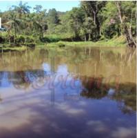 Sítio simples à venda em Juquitiba com 2 amplos lagos