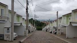 Casa à Venda Condomínio Chácara Sônia