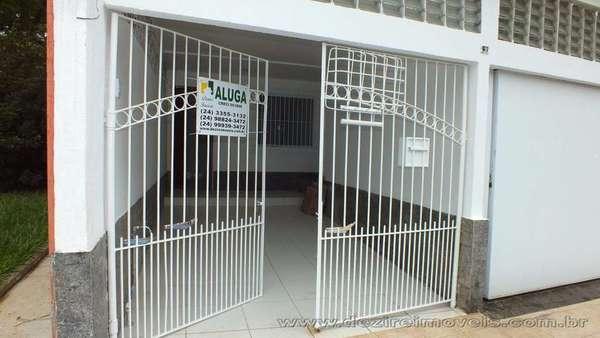 Casa para alugar em Resende na Vila Hulda