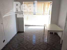 Apartamento no Bom Retiro, ótima localização na melhor parte do bairro. Andar alto à uma quadra do metrô Tiradentes.