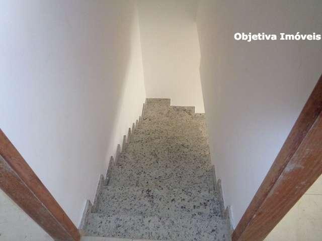 Escada de acesso aos quartos em granito