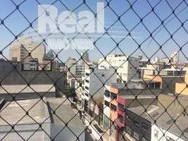 Apartamento amplo no Bom Retiro. Ótima planta, face norte. No centro de São Paulo, próximo ao metrô Tiradentes.