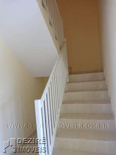 Escada para segundo pavimento