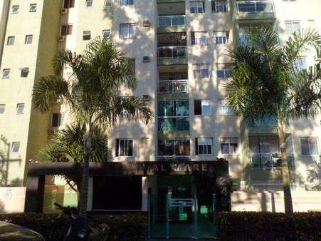 Apartamento 3 quartos com armários e vista mar