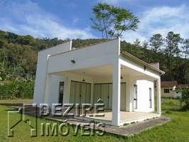 Casa á venda em Penedo - Lugar Privilegiado