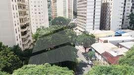 Apartamento impecável no bairro Paraíso. Mobiliado. Alugo! 176 m². Três dormitórios. Duas vagas para autos.