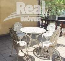 Casa ensolarada na Vila Beatriz em rua tranquila e arborizada. Potencial para reforma de seus sonhos!