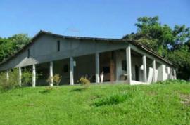 Sitio com 30.000 m² próximo a represa.