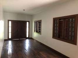 Casa de 2 quartos com excelente acabamento no bairro Iporanga