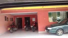 Casa comercial Av. Américo de Figueiredo