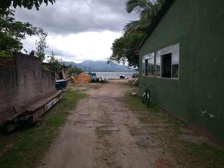 TERRENO FRENTE À BAÍA DE GUARATUBA