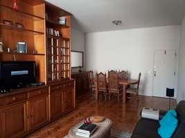 Vendo apartamento amplo de 2 quartos em Copacabana