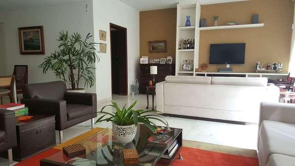 Reformado - 230 m² na Rua Bulhões de Carvalho - Copacabana - Rio de Janeiro
