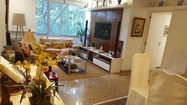 VENDO apartamento no Jd. Botânico com 3 quartos