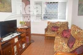 Casa térrea a venda no bairro do Sumaré. 190m², 2 vagas.
