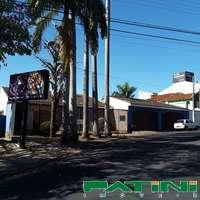 Casa comercial ampla Rua Independência a 30 metros da Av Alberto Andaló