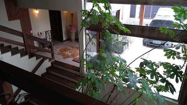 Maravilhosa Casa 5 Suítes à Venda com Piscina de Frente para Baía de Guaratuba
