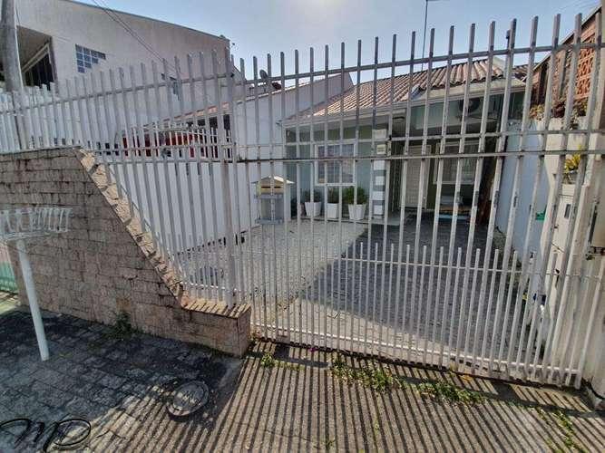 Casa à Venda 3 Quartos - Uberaba - Curitiba