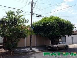 Casa 3 dormitórios São Francisco próximo ao posto de saúde