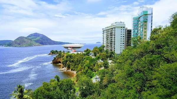 Alugo apartamento no Ingá - frente mar e MAC - Niterói