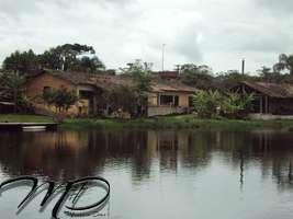CHÁCARA COM LAGO À VENDA GUARATUBA - FRENTE A RODOVIA