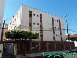 Apartamento amplo 3 dormitórios 2 garagens Higienópolis próximo Serv Lar