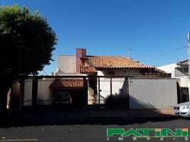 Casa ampla com piscina e 3 suítes Jardim Seixas próximo Represa Municipal