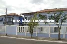 Casa em condomínio com 2 quartos para venda no Parque Burle em Cabo Frio