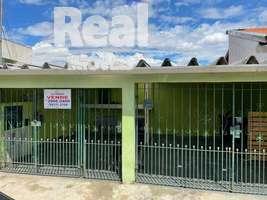Casa a venda no Parque São Domingos. Ampla, em excelente localização no bairro.