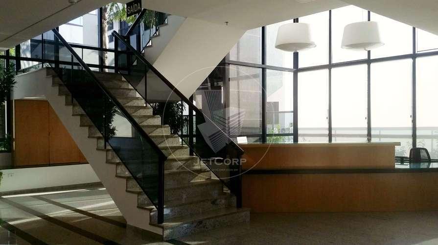 Escritório comercial corporativo para locação na região da Paulista - metrô - 261 m²