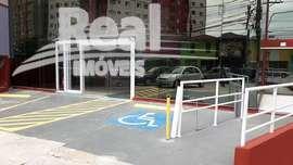 Imóvel comercial para alugar no Sumarezinho, ao lado do Metrô Madalena. São 1201m² distribuídos em 5 pavimentos: