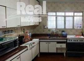 Casa à venda na Vila Leopoldina, com excelente terreno.