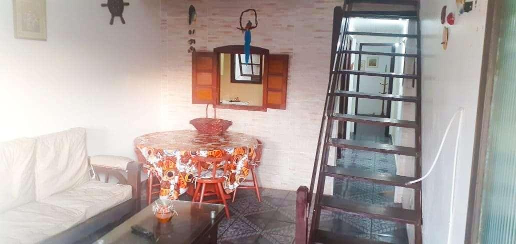 sala e escada para o 2º piso