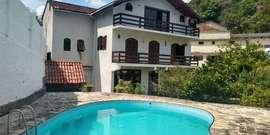Casa com 7 Quartos (1 suite) Piscina 2 Vagas no Valparaiso Petrópolis RJ